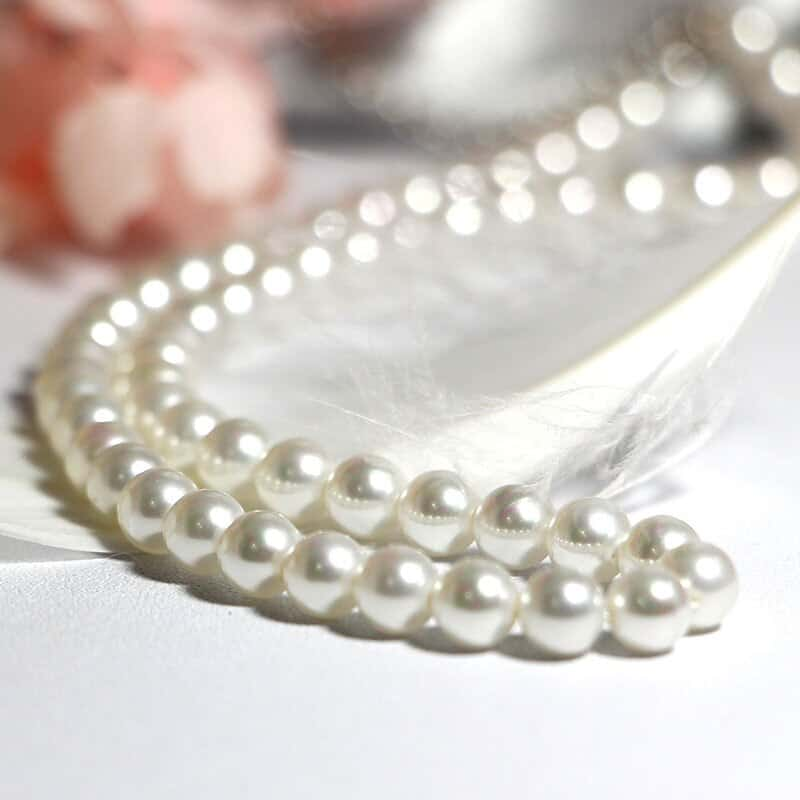 A close up of a necklace